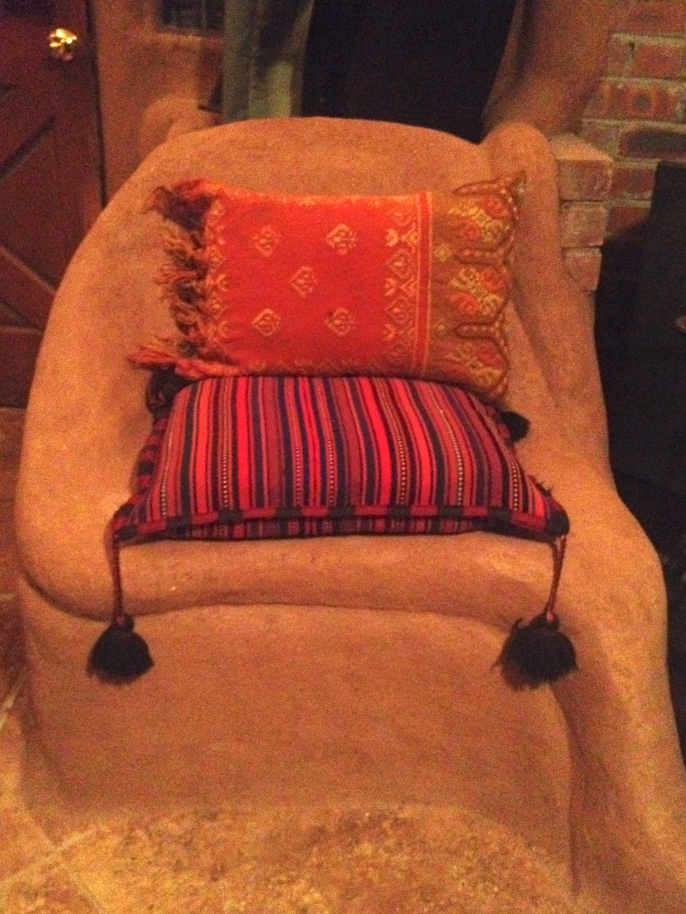 sculpture chair w pillows.jpg